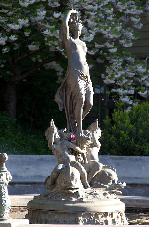 Port Townsend, Haller Fountain or Galatea, 1893 bronze casting statue that originated at the World Columbian Exposition in Chicago's German Pavilion