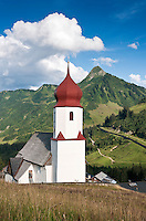 Austria, Vorarlberg, Damuels: popular resort at Bregenzerwald with parish church St. Nikolaus | Oesterreich, Vorarlberg, Damuels: beliebter Urlaubsort im Bregenzerwald Pfarrkirche St. Nikolaus