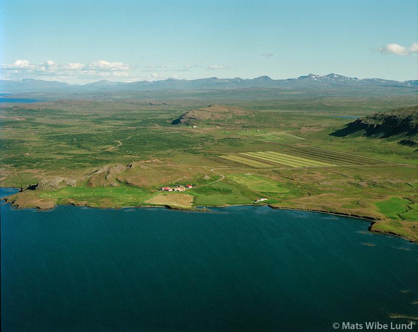 Drangar séð til austurs, Dalabyggð áður Skógarstrandarhreppur.Drangar viewing east, Dalabyggd former Skogarstrandarhreppur