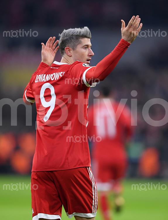 FUSSBALL CHAMPIONS LEAGUE SAISON 2017/2018 GRUPPENPHASE FC Bayern Muenchen - Paris Saint-Germain               05.12.2017 Torjubel: Robert Lewandowski (FC Bayern Muenchen)
