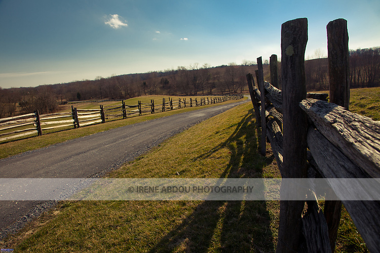 With rolling fields of grass, the Agricultural History Farm Park in Derwood, Maryland is perfect for couples seeking a rustic farm wedding.  The Agricultural History Farm Park is a wedding and event venue operated by Montgomery County Parks.