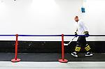 Stockholm 2014-09-11 Ishockey Hockeyallsvenskan AIK - S&ouml;dert&auml;lje SK :  <br /> AIK:s Michael Nylander p&aring; v&auml;g in till omkl&auml;dningsrummet efter uppv&auml;rmningen innan matchen <br /> (Foto: Kenta J&ouml;nsson) Nyckelord:  AIK Gnaget Hockeyallsvenskan Allsvenskan Hovet Johanneshovs Isstadion S&ouml;dert&auml;lje SK SSK portr&auml;tt portrait genre