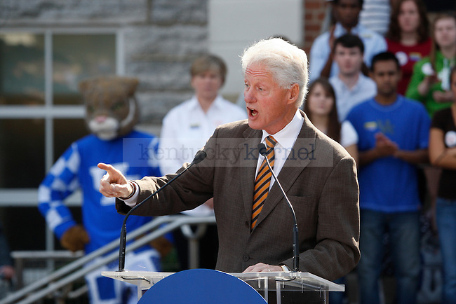 President Bill Clinton speaks at the University of Kentucky to campaign for Jack Conway on Monday, October 11, 2010.  Photo by Latara Appleby | Staff