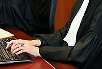 Nederland Lelystad - 2017.  Open dag bij de Rechtbank in Lelystad. Tijdens de open dag kan men onder andere een nagespeelde zitting bijwonen of een rondleiding door het gebouw volgen. De griffier in de rechtzaal.  Foto Berlinda van Dam / Hollandse Hoogte