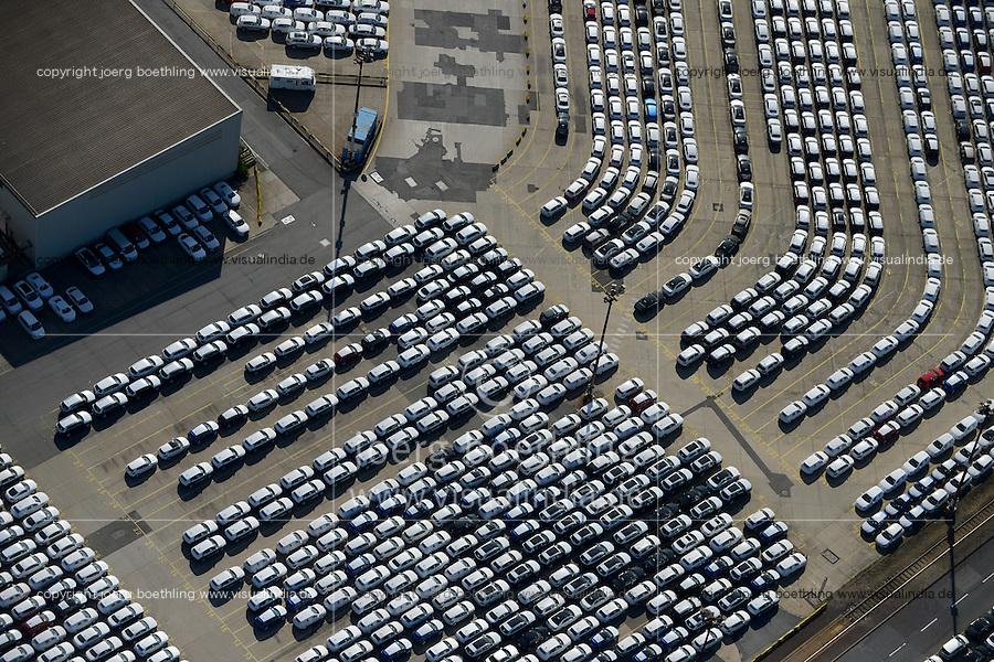 GERMANY Hamburg port, car export by ship, Audi and Volkswagen / Deutschland Hamburg, Autoexport von Volkswagen und Audi im Hamburger Hafen