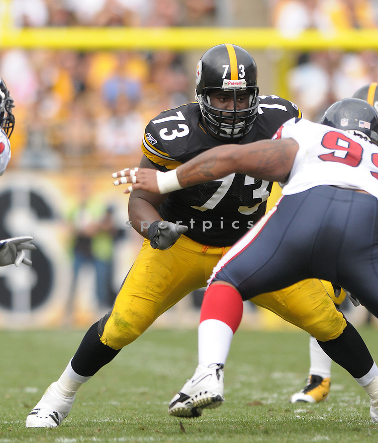 KENDALL SIMMONS, of the Pittsburgh Steelers, in action during the Steelers game against the Houston Texans  in Pittsburgh, Pennsylvania on September 7, 2008..The Pittsburgh Steelers won 38-17