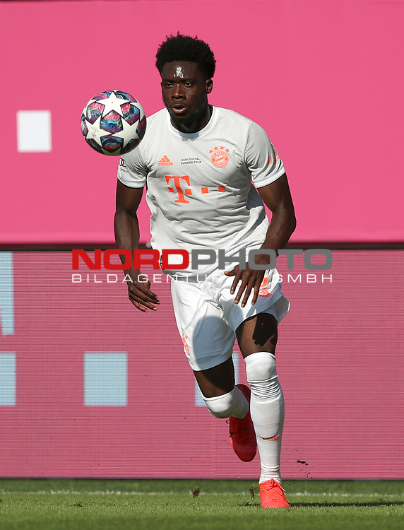 Alphonso Davies #19 von FC Bayern Muenchen<br />