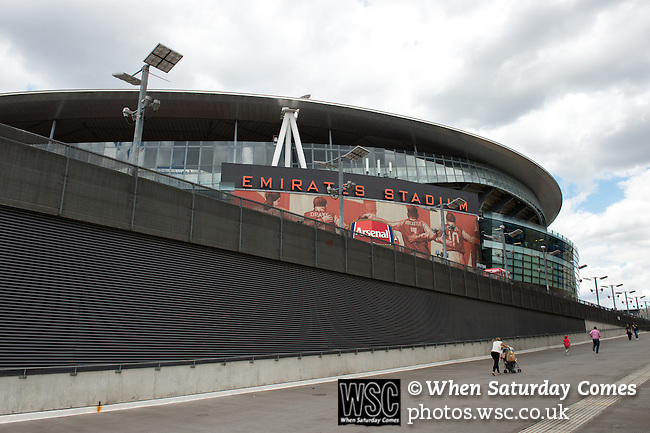 Arsenal 6 Olympique Lyonnais 0, Villarreal 2 Wolfsburg 1, 25/08/2015. Emirates Stadium, Emirates Cup. Two games for the price of one as some of Europe's finest arrive in London for the Emirates Cup, giving supporters the chance to experience a day out free of the usual worries that accompany a Premier League match. Photo by Simon Gill.
