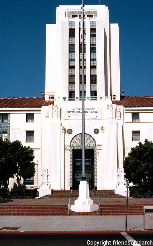 San Diego: San Diego City/County Building, 1935. Architects: Louis Gill, Richard Requa, W. T. Johnson, Hamill. 1600 Pacific Highway. Art Deco.  NRHP 1988. Photo '80.