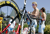 13 JUL 2007 - LORIENT, FRA - Brad Kahlefeldt and Stuart Hayes prepare for the start of their race - French Grand Prix Series. (PHOTO (C) NIGEL FARROW)