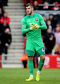 3rd December 2017, Vitality Stadium, Bournemouth, England; EPL Premier League football, Bournemouth versus Southampton;  Fraser Forster of Southampton prepares for a Bournemouth free kick