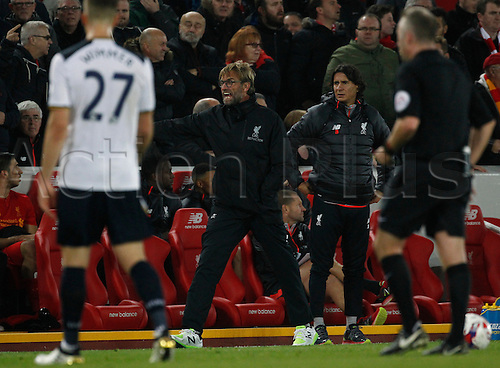 25.10.2016. Anfield, Liverpool, England. EFL Cup. Liverpool versus Tottenham Hotspur. An angry Liverpool manager Jurgen Klopp remonstrates after a foul on Liverpool forward Danny Ings late in the game.