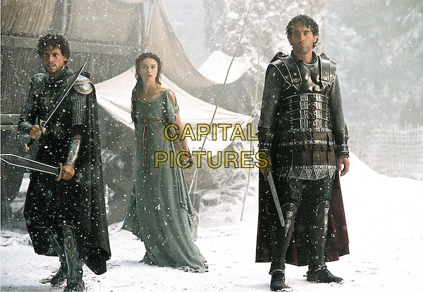 IOAN GRUFFUDD, KEIRA KNIGHTLEY & CLIVE OWEN.in King Arthur.*Editorial Use Only*.www.capitalpictures.com.sales@capitalpictures.com.Supplied by Capital Pictures.
