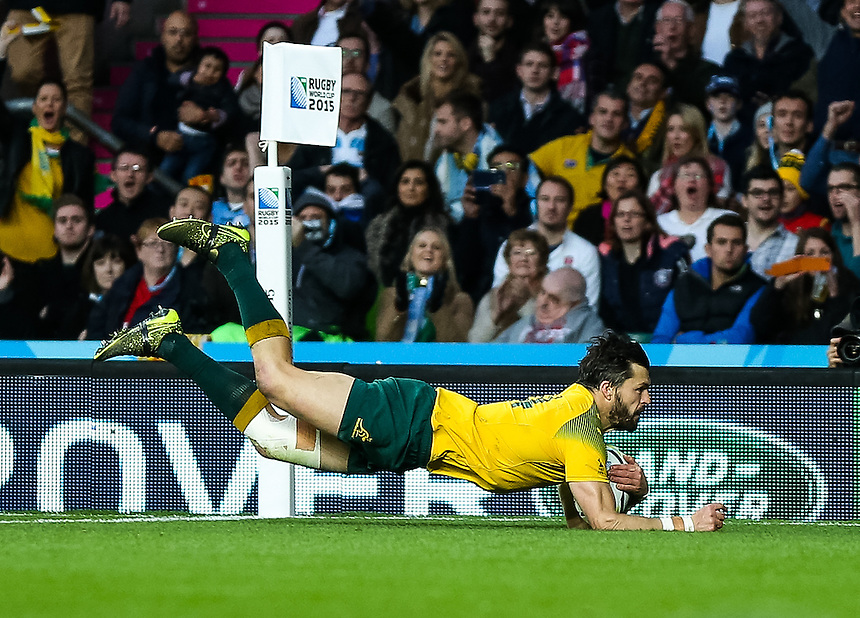 Australia's Adam Ashley-Cooper scores his sides third try<br /> <br /> Photographer Simon King/CameraSport<br /> <br /> Rugby Union - 2015 Rugby World Cup Semi Final - Argentina v Australia - Sunday 25th October 2015 - Twickenham, London <br /> <br /> &copy; CameraSport - 43 Linden Ave. Countesthorpe. Leicester. England. LE8 5PG - Tel: +44 (0) 116 277 4147 - admin@camerasport.com - www.camerasport.com