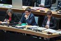 Plenarsitzung des Berliner Abgeordnetenhaus am Donnerstag den 16. November 2017.<br /> Im Bild vlnr.: Bausenatorin Katrin Lompscher (Linkspartei), Senatorin fuer Stadtentwicklung und Wohnen; Dirk Behrend (Buendnis 90/Die Gruenen), Senator fuer Justiz, Verbraucherschutz und Antidiskriminierung; Elke Breitenbach (Linkspartei), Senatorin fuer Integration, Arbeit und Soziales. <br /> 16.11.2017, Berlin<br /> Copyright: Christian-Ditsch.de<br /> [Inhaltsveraendernde Manipulation des Fotos nur nach ausdruecklicher Genehmigung des Fotografen. Vereinbarungen ueber Abtretung von Persoenlichkeitsrechten/Model Release der abgebildeten Person/Personen liegen nicht vor. NO MODEL RELEASE! Nur fuer Redaktionelle Zwecke. Don't publish without copyright Christian-Ditsch.de, Veroeffentlichung nur mit Fotografennennung, sowie gegen Honorar, MwSt. und Beleg. Konto: I N G - D i B a, IBAN DE58500105175400192269, BIC INGDDEFFXXX, Kontakt: post@christian-ditsch.de<br /> Bei der Bearbeitung der Dateiinformationen darf die Urheberkennzeichnung in den EXIF- und  IPTC-Daten nicht entfernt werden, diese sind in digitalen Medien nach §95c UrhG rechtlich geschuetzt. Der Urhebervermerk wird gemaess §13 UrhG verlangt.]