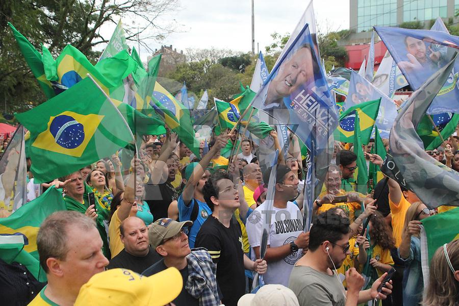 PORTO ALEGRE, RS, 30.09.2018 - ELEIÇÕES-2018 - Manifestantes fazem ato a favor à Jair Bolsonaro em Porto Alegre na tarde deste domingo 30 (Foto: Naian Meneghetti/Brazil Photo Press)
