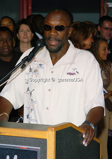 Isaac Hayes was inducted into the Hollywood Rockwalk at the Guitar Center in Los Angeles. November 4, 2004.