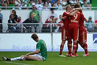 Fussball 1. Bundesliga :  Saison   2012/2013   1. Spieltag  25.08.2012 SpVgg Greuther Fuerth - FC Bayern Muenchen Jubel nach dem Tor zum 0:2 Arjen Robben, Thomas Mueller, Mario Mandzukic (v. li., FC Bayern Muenchen)