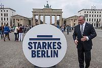 Praesentation der CDU-Kampagne fuer die Abgeordnetenhauswahl am 18. September 2016 in Berlin.<br /> Der CDU-Landesvorsitzende Frank Henkel stellte am Mittwoch den 6. April 2016 zusammen mit dem<br /> Wahlkampfleiter Kai Wegner und dem<br /> Kampagnenmanager Thomas Heilmann die Kampagne der Berliner CDU zur Abgeordnetenhauswahl vor. Konkrete Plakate mit Fotomotiven konnten nur eingeschraenkt gezeigt werden, da die CDU die Nutzungsrechte nicht erworben hat. So wurden den Journalisten nur Plakatideen und das Logo der Kampagne praesentiert.<br /> Im Bild: Frank Henkel mit dem Wahlkampflogo vor dem Brandenburger Tor.<br /> 6.4.2016, Berlin<br /> Copyright: Christian-Ditsch.de<br /> [Inhaltsveraendernde Manipulation des Fotos nur nach ausdruecklicher Genehmigung des Fotografen. Vereinbarungen ueber Abtretung von Persoenlichkeitsrechten/Model Release der abgebildeten Person/Personen liegen nicht vor. NO MODEL RELEASE! Nur fuer Redaktionelle Zwecke. Don't publish without copyright Christian-Ditsch.de, Veroeffentlichung nur mit Fotografennennung, sowie gegen Honorar, MwSt. und Beleg. Konto: I N G - D i B a, IBAN DE58500105175400192269, BIC INGDDEFFXXX, Kontakt: post@christian-ditsch.de<br /> Bei der Bearbeitung der Dateiinformationen darf die Urheberkennzeichnung in den EXIF- und  IPTC-Daten nicht entfernt werden, diese sind in digitalen Medien nach §95c UrhG rechtlich geschuetzt. Der Urhebervermerk wird gemaess §13 UrhG verlangt.]