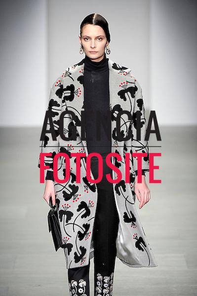 Londres, Inglaterra &ndash; 02/2014 - Desfile de Holly Fulton durante a Semana de moda de Londres - Inverno 2014.&nbsp;<br /> Foto: FOTOSITE