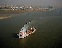 Oktober 1997. Schip Jade River van DEME.