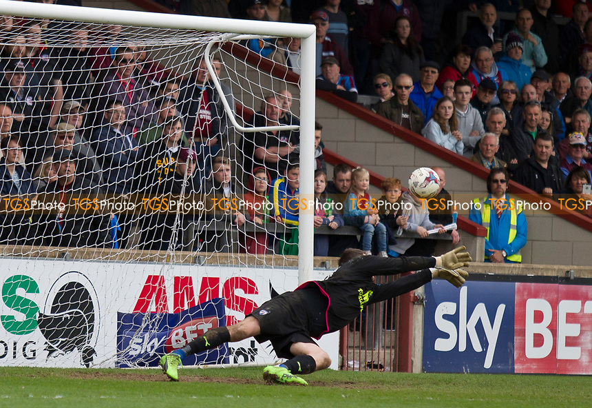 Thorsten Stuckmann (Chesterfield) saves during Scunthorpe United vs Chesterfield, Sky Bet EFL League 1 Football at Glanford Park on 17th April 2017