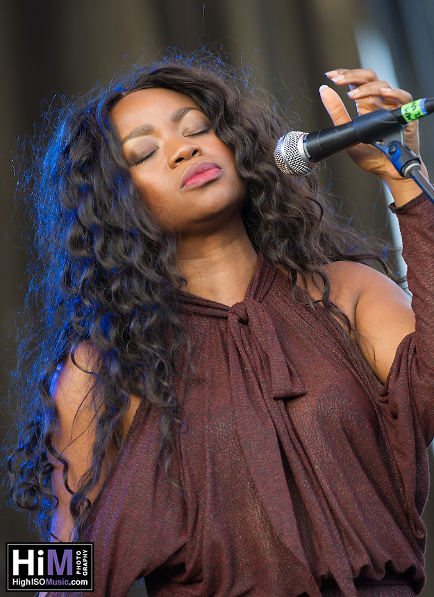 Ruby Amanfu at Voodoo Fest 2015.