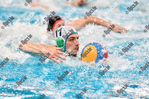 2017-02-11 / Waterpolo / Seizoen 2016-2017 / Mechelen - Antwerpen / Sammy Claes (Mechelen) met een sprint naar doel<br /> <br /> ,Foto: Mpics.be
