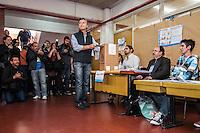 BUENOS AIRES, ARGENTINA, 27.10.2013 - ELEICOES LEGISLATIVAS ARGENTINA - Mauricio Magri atual prefeito de Buenos Aires durante votacao nas eleicoes legislativas em Buenos Aires capital da Argentina neste domingo, 27. (Foto: Patricio Murphy / Brazil Photo Press).