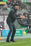 06.10.2019, Borussia Park , Moenchengladbach, GER, 1. FBL,  Borussia Moenchengladbach vs. FC Augsburg,<br />  <br /> DFL regulations prohibit any use of photographs as image sequences and/or quasi-video<br /> <br /> im Bild / picture shows: <br /> Martin Schmidt Trainer von Ausgubrg regt sich auf <br /> <br /> Foto © nordphoto / Meuter