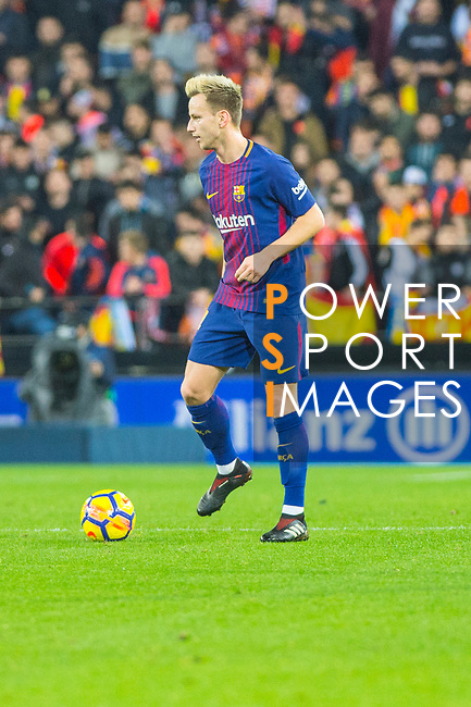 Sergio Busquets Burgos of FC Barcelona is seen during the La Liga 2017-18 match between Valencia CF and FC Barcelona at Estadio de Mestalla on November 26 2017 in Valencia, Spain. Photo by Maria Jose Segovia Carmona / Power Sport Images
