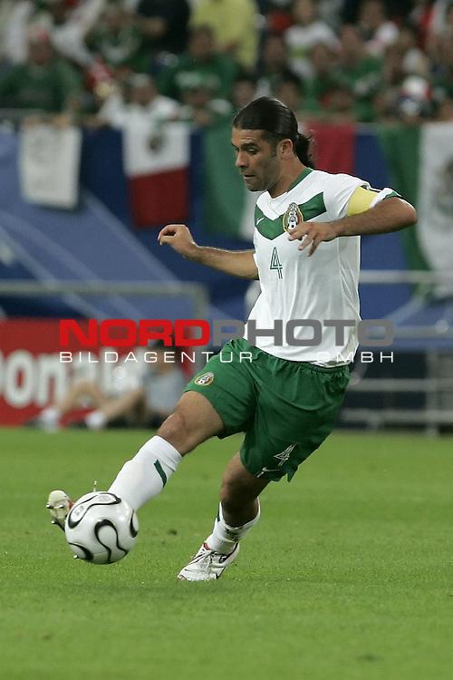 FIFA WM 2006 -  Gruppe D Vorrunde ( Group D )<br /> Play    #39 (21-Jun) - Portugal vs Mexico<br /> <br /> MARQUEZ Rafael # 4<br /> <br /> Foto &copy; nordphoto