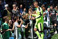 GRONINGEN - Voetbal, Open dag FC Groningen ,  seizoen 2017-2018, 06-08-2017,  FC Groningen doelman Segio Padt bij de fans