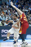 Real Madrid's Sergio Llull (l) and Galatasaray Odeabank Istambul's Jon Diebler during Euroleague, Regular Season, Round 5 match. November 3, 2016. (ALTERPHOTOS/Acero) /NORTEPHOTO:COM