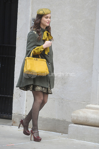 Leighton Meester filming on the set of Gossip Girl in New York City. October 31, 2011. © mpi01 / MediaPunch Inc.