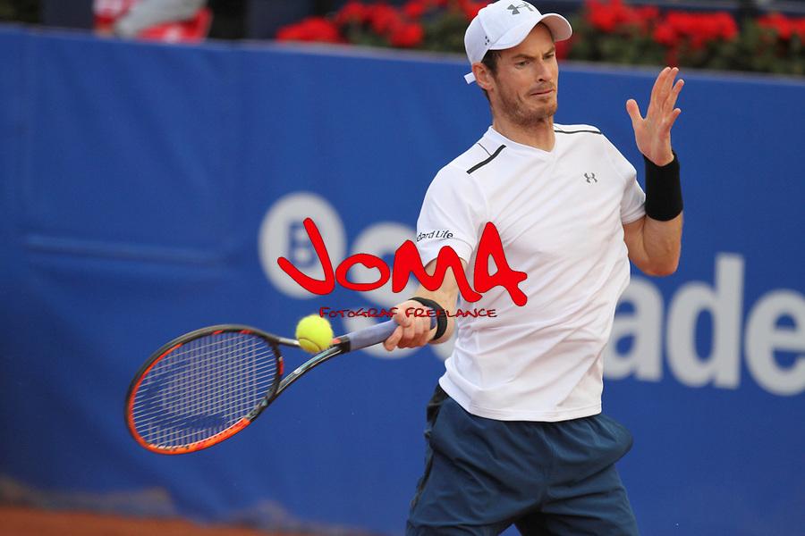Murray jugando contra Felicinao Lopez en la Pista Rafa Nadal del barcelona Open Banc Sabadell. ATP 500