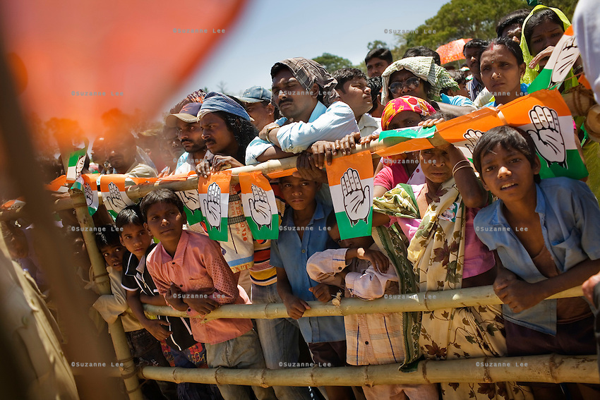 Local villagers and party supporters are seen at a public rally of the Congress Party President, Sonia Gandhi in Khunti, in the eastern Indian state of Jharkhand on the 11th of April 2009.   Photo by Suzanne Lee for The National.