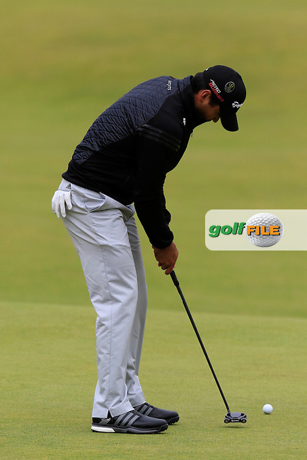 Jason DAY (AUS) putts on the 18th green during Sunday's Round 3 of the 144th Open Championship, St Andrews Old Course, St Andrews, Fife, Scotland. 19/07/2015.<br /> Picture Eoin Clarke, www.golffile.ie