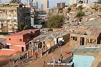 ANGOLA Luanda , durch Einnahmen aus Oel und Diamanten Exporten gibt es einen gigantischen Bauboom und Luanda rangiert als einer der teuersten Immobilienplaetze weltweit - ANGOLA Luanda, due to revenues from oil and diamond exports a construction boom is seen everwhere and the real estate prices are extremely high