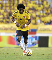BARRANQUILLA - COLOMBIA - 11 -06-20: Carlos Sanchez, mediocampista de Colombia en accion durante partido en el estadio Metropolitano Roberto Melendez de la ciudad de Barranquilla, junio 11 de 2013. Colombia y Peru disputan partido en la fecha 14 de la jornada clasificatoria a la Copa Mundo FIFA Brasil 2014. (Foto: VizzorImage / Luis Ramirez / Staff). Carlos Sanchez, midfielder of Colombia in action during a game in the Metropolitan stadium Roberto Melendez in Barranquilla, June 11, 2013. Colombia and Peru disputing a match on the date 14 of the qualifying for FIFA World Cup Brazil 2014. (Photo: VizzorImage / Luis Ramirez / Staff.)