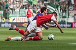 12.05.2018, OPEL Arena, Mainz, GER, 1.FBL, 1. FSV Mainz 05 vs SV Werder Bremen<br /> <br /> im Bild<br /> Thomas Delaney (Werder Bremen #06) im Duell / im Zweikampf mit Levin &Ouml;ztunali / Oetztunali (FSV Mainz 05 #08), <br /> <br /> Foto &copy; nordphoto / Ewert
