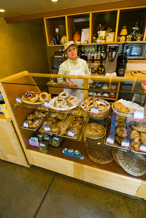 California:  Busy Bee Bakery at Inverness Park, Point Reyes National Seashore near San Francisco. Photo copyright Lee Foster. Photo # casanf81392