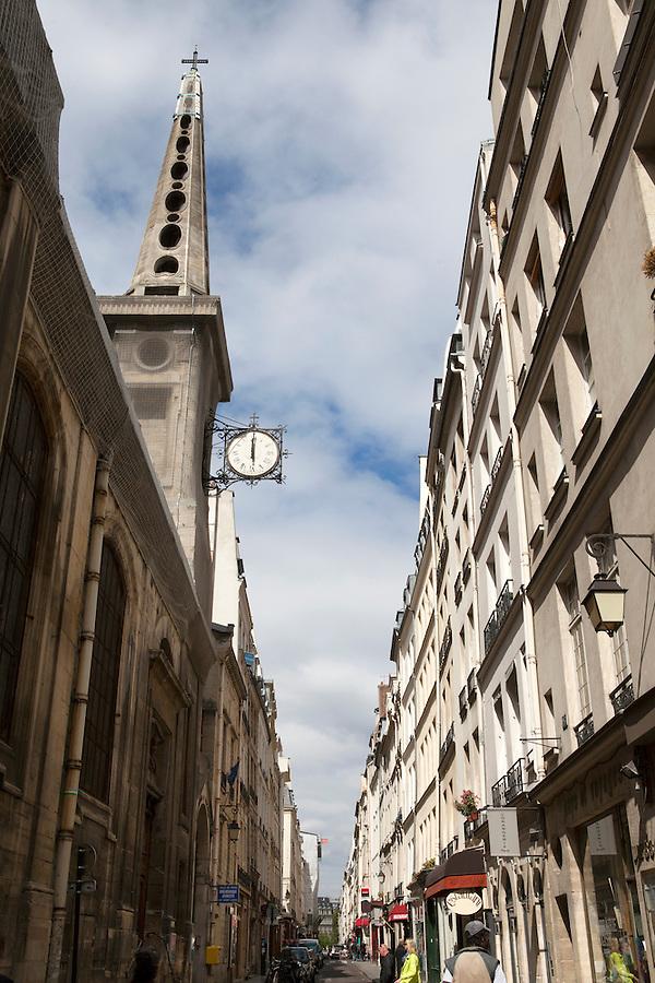 Rue Saint-Louis en L'ile, Ile Saint-Louis, Paris, France