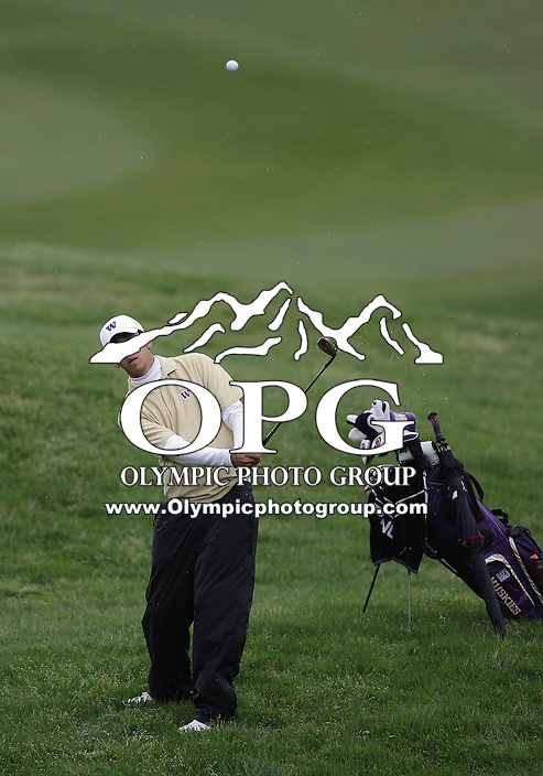 21 May, 2010: Washington's Darren Wallace chips his ball on the green of hole 6 during the first round of the NCAA West Regionals at Gold Mountain Golf Course in Bremerton, Washington.