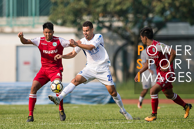 Giovane Alves of R&F F.C (R) in action against Hok Ming Lau of Kwoon Chung Southern (L) during the week three Premier League match between Kwoon Chung Southern and R&F at Aberdeen Sports Ground on September 16, 2017 in Hong Kong, China. Photo by Marcio Rodrigo Machado / Power Sport Images