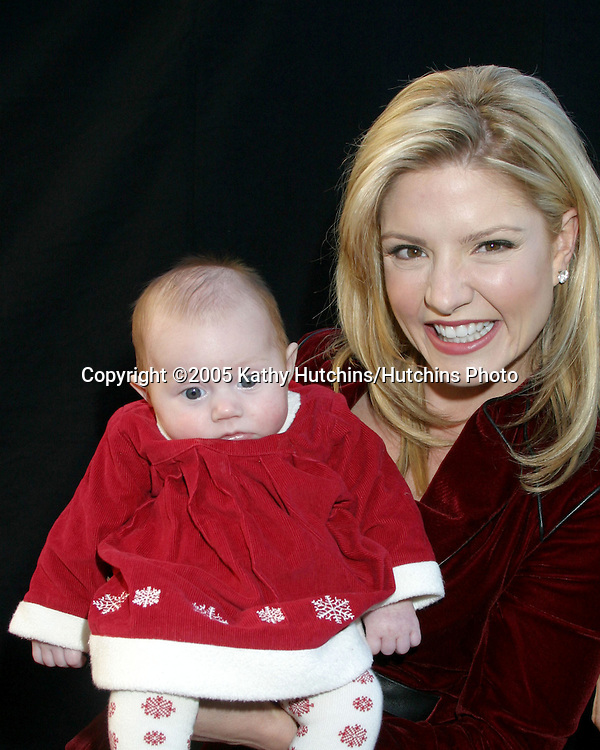 Dayna Devon and daughter.74th Annual Hollywood Christmas Parade.Los Angeles, CA.November 27, 2005.©2005 Kathy Hutchins / Hutchins Photo
