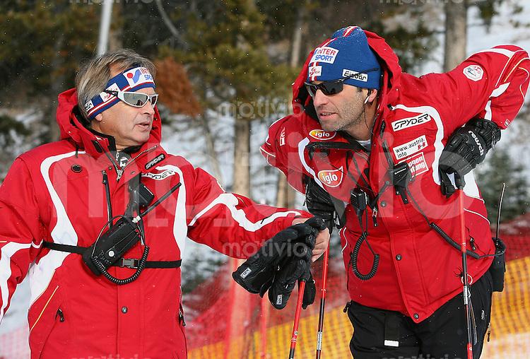 Ski Alpin; Saison 2005/2006 Super G  Herren AUT Alpinchef Hans Pum (li) und AUT Herren Cheftrainer Toni Giger
