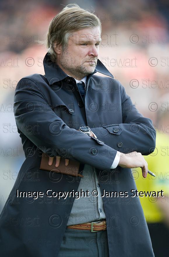 Falkirk manager Steven Pressley  ...