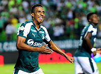 PALMIRA - COLOMBIA - 24 - 02 - 2018: Jhon Mosquera, jugador de Deportivo Cali celebra el gol anotado a Millonarios, durante partido entre Deportivo Cali y Millonarios de la fecha 5 por la liga Aguila I 2018, jugado en el estadio Deportivo Cali (Palmaseca) en la ciudad de Palmira. / Jhon Mosquera, player of Deportivo Cali celebrates a scored goal to Millonarios, during a match between Deportivo Cali and Millonarios of the 5th date for the Liga Aguila I 2018, at the Deportivo Cali (Palmaseca) stadium in Palmira city. Photo: VizzorImage  / Nelson Rios / Cont.