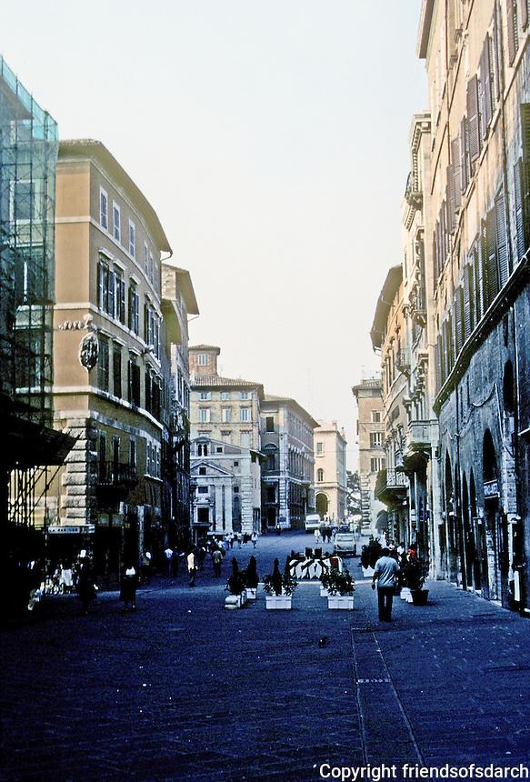 Italy: Perugia--Corso Vannucci, connecting 4 Novembre & Republica. Photo '83.
